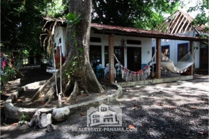 Caribbean Beach Home on Isla Grande in Colon
